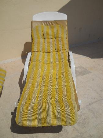 Canifor Hotel: a sunbed in a four stars hotel