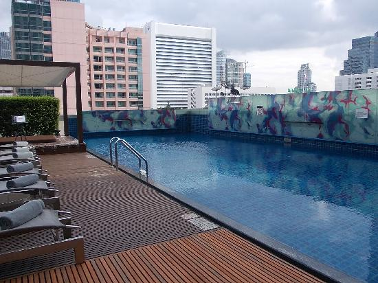โรงแรมเลอ เมอริเดียน กรุงเทพ: 繁華街の中の洗練されたホテル