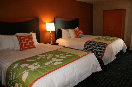 Fairfield Inn & Suites Anaheim North/Buena Park: Standard room with 2 Queen Beds