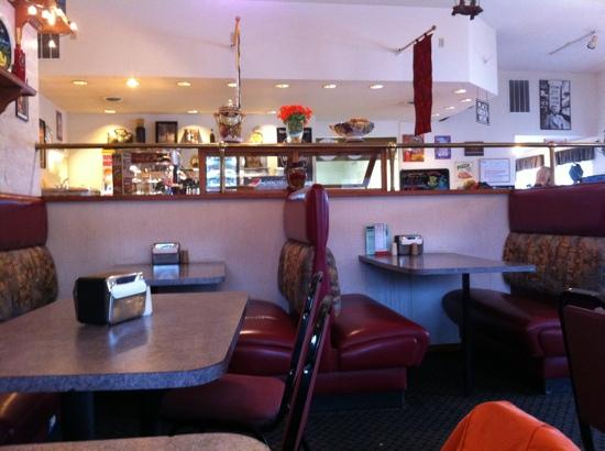 Pacific Pizza: Dining area