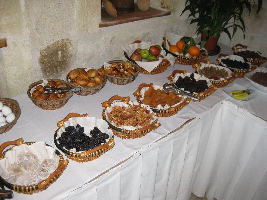 Sultan Cave Suites: Breakfast
