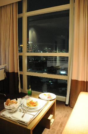 โรงแรมพูลแมน บางกอก คิงเพาเวอร์: Un encas en soirée