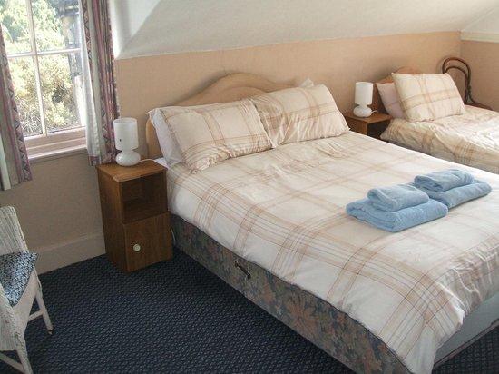 Catacol Bay Hotel : Family room