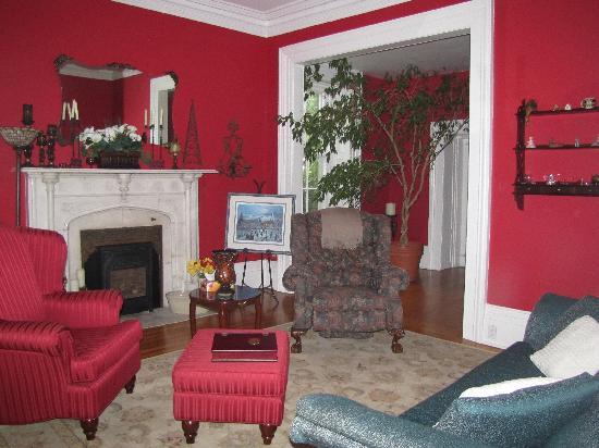 Stonehurst B&B: The red room