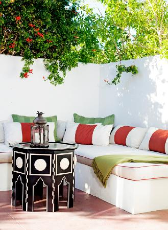 Colony Palms Hotel: Casita Daybed