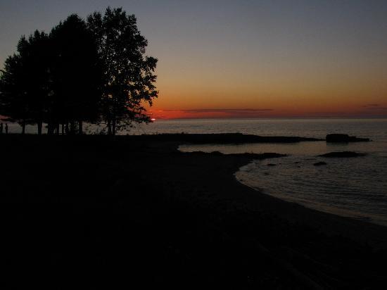 Sand Hills Lighthouse Inn: Sunset at the Lighthouse