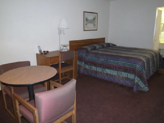 Masters Inn Tuscaloosa: Room