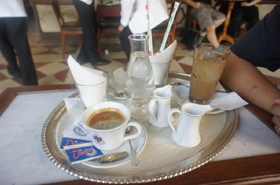 Caffe Florian Venezia: 2 cups of coffee cost around Euro27 (include music surcharge)
