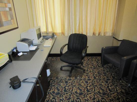 BEST WESTERN PLUS Westwood Inn: business centre