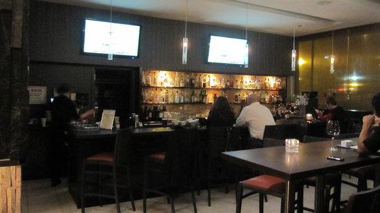 H5O bistro & bar: bar