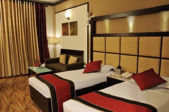 Hotel Maharaja Regency: Executive Twin Bed Room