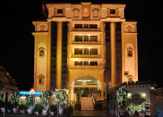 Hotel Maharaja Regency : Front View