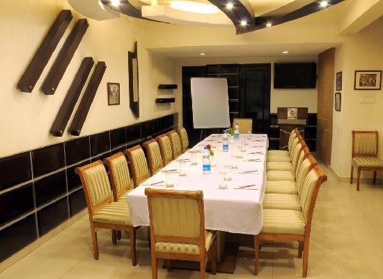 Hotel Maharaja Regency: Senate Hall
