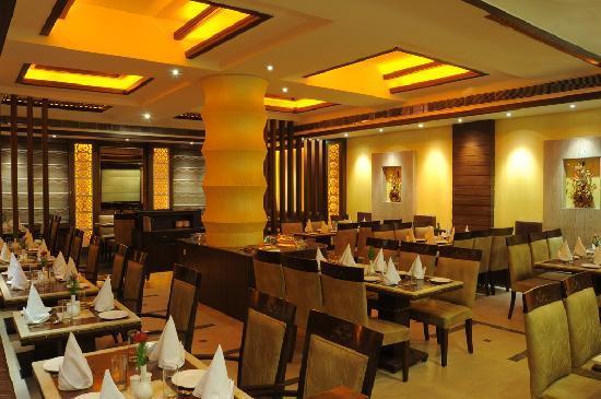 Hotel Maharaja Regency : Zaafraan : Multi Cuisine Restaurant