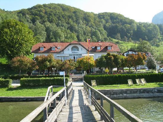 Gasthof Ramsau vom See aus