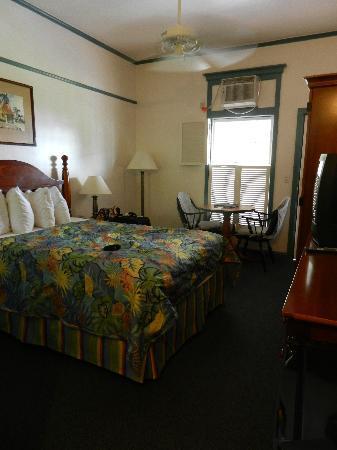 Best Western Pioneer Inn: room from entrance