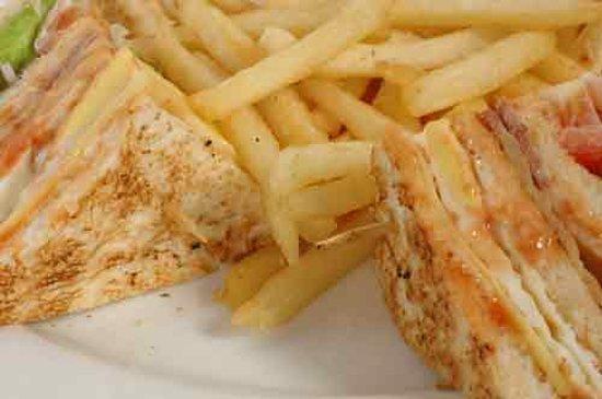 Dine Mor: yummu yummy sandwiches