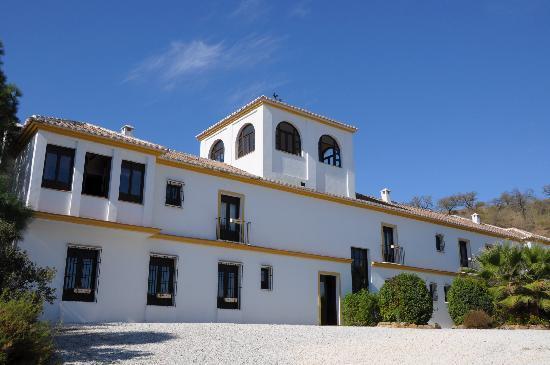 Cortijo Puerto el Peral: De achterzijde van de Cortijo