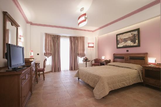 Regina Dell Acqua Resort: the red room