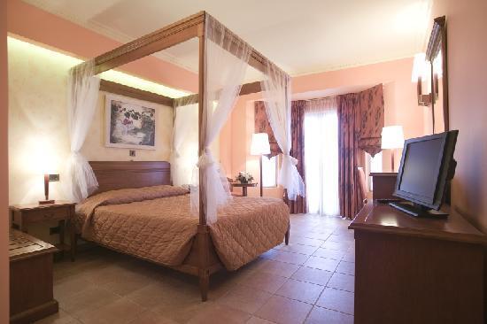 Regina Dell Acqua Resort: family room