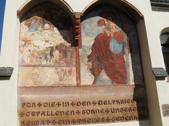 Stadtpfarrkirche Gmunden: Fresken aus 1525