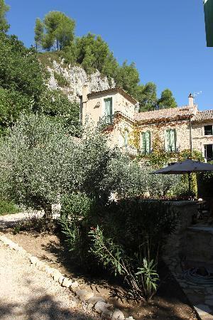 Moulin de la Roque: vue de la cour