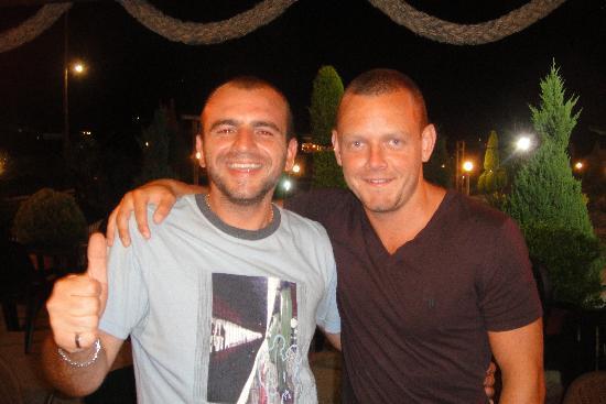 Kalamaki, Hellas: Jay and Dann