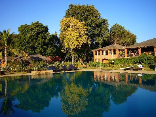 Bagan Thiripyitsaya Sanctuary Resort : an other pool viwe.