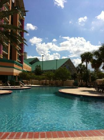 Isle of Capri Casino Hotel Lake Charles: Pool - Not Exotic, but will suffice