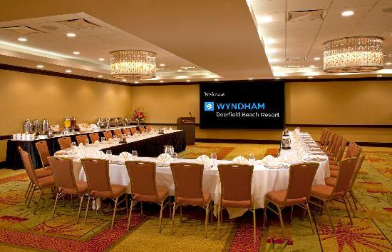 Wyndham Deerfield Beach Resort: Royal Palm Ballroom - part of over 4300 sq. ft. of flexible corporate & social function space