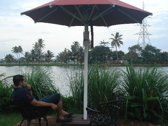 Citrus Retreats Alleppey: enjoy  the back waters!