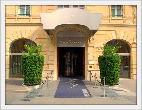 Entrée Hôtel Fouquet's Barrière - Le Diane 1er étage