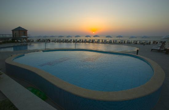 Regina Dell Acqua Resort: sunrise in resort