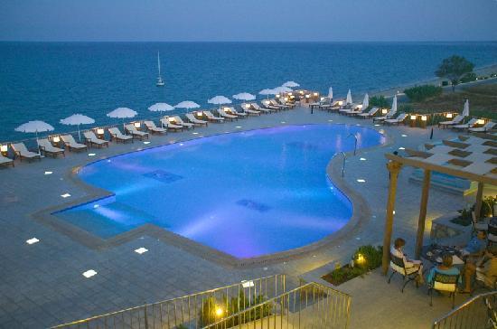 Regina Dell Acqua Resort: cocktail by the pool
