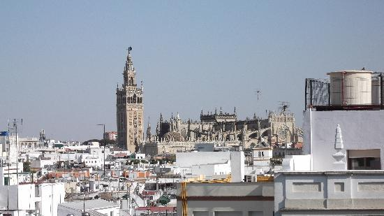 Hotel Becquer: Seville from the rooftop solarium