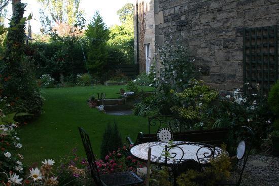 Blacket Garden Flat: Garden