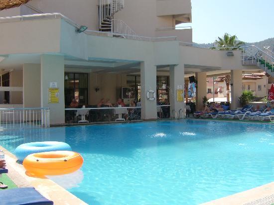 Kapmar Hotel: pool area