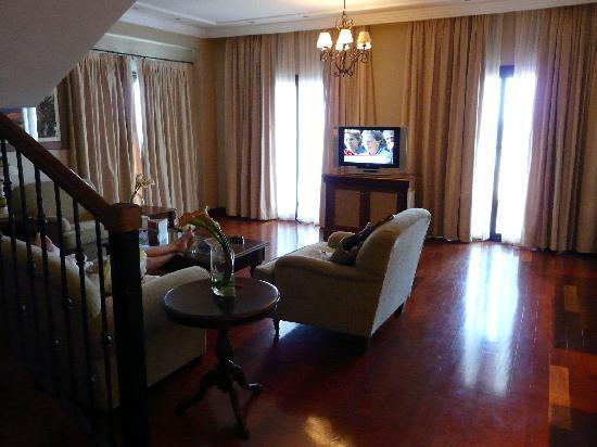 Sheraton Fuerteventura Beach, Golf & Spa Resort : Salon suite duplex