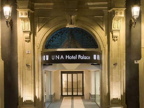 Exterior UNA Hotel Palace
