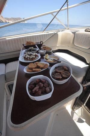Alex Private Boat Rental: Local Lunch
