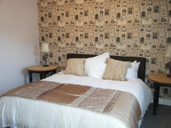 The Queens at Selborne: Luxury Bedroom