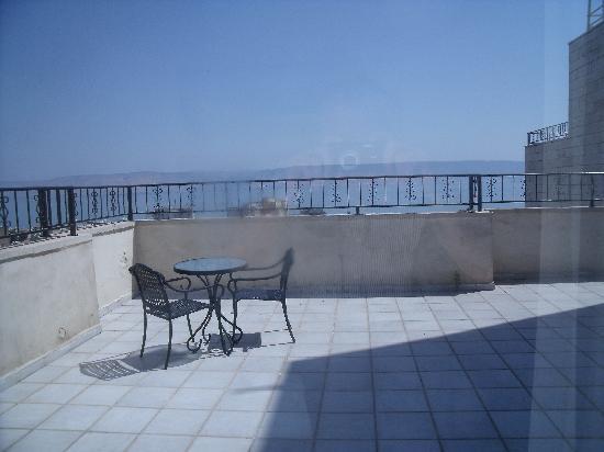 Prima Galil: Our massive terrace