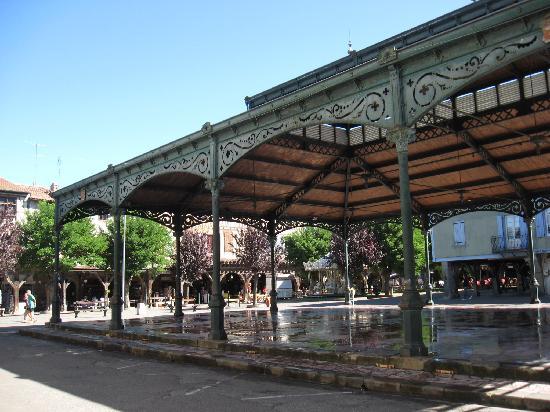 Auberge du Balestie: Market in Mirepoix