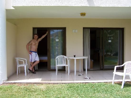 Aparthotel Parque de la Paz: our room