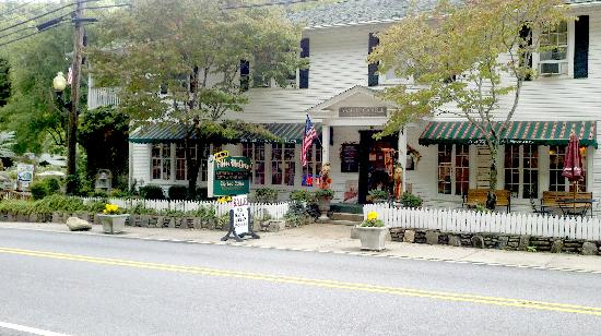 Broad River Inn: Updated photo of the Inn