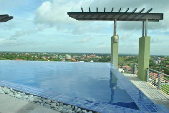 Pool At The Penthouse Picture Of One Tagaytay Place Hotel Suites Tagaytay Tripadvisor