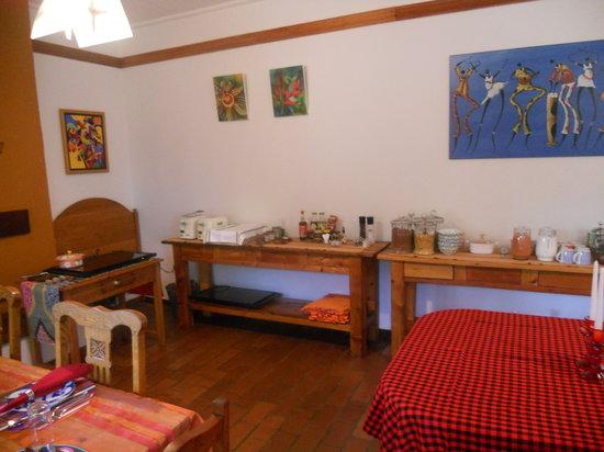 The Bushbaby Inn: breakfast room
