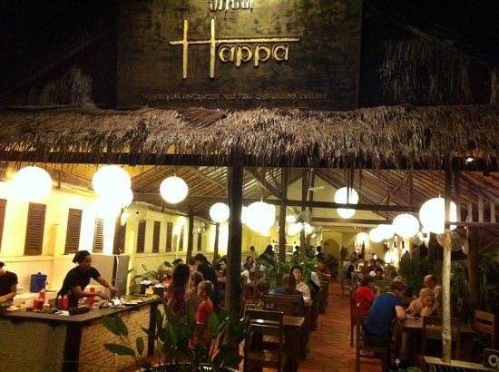 Happa's Restaurant: packed!