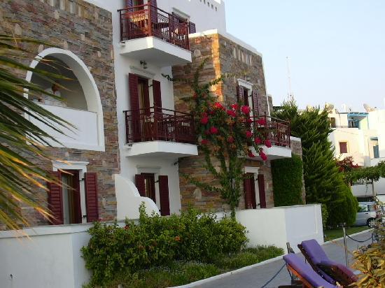 Naxos Resort Beach Hotel: particolare della struttura
