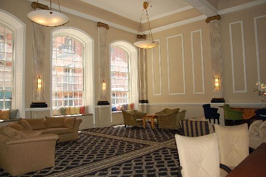 Tazewell Hotel & Suites: Lobby